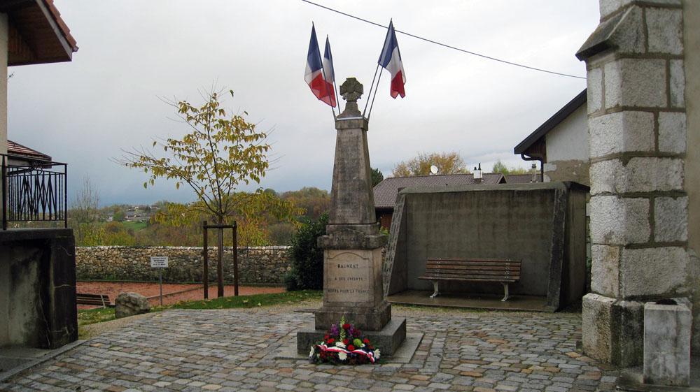 Le monument aux morts de Balmont